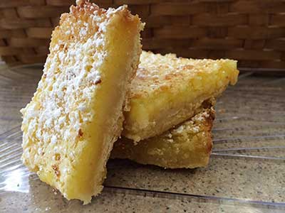 Enjoy delicous fresh made deserts at Cinnamon Cafe Mountain Run!